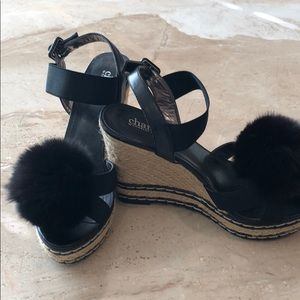 Charles Davis fur Pom wedge sandals 7.5